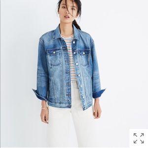 the oversized jean jacket in capstone wash